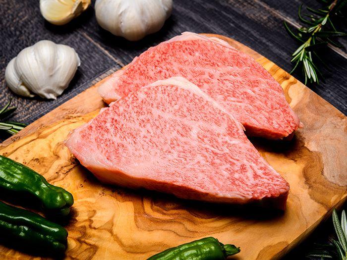 厚切りの牛肉