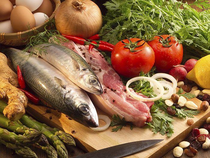 色とりどりの肉野菜魚